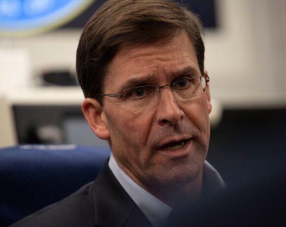 Λευκός Οίκος: Ο υπουργός Άμυνας παραμένει στη θέση του – Είχε διαφωνήσει με την επέμβαση του στρατού