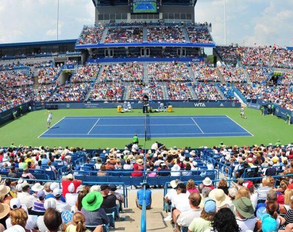 Μεταφέρουν το τένις στη Νέα Υόρκη