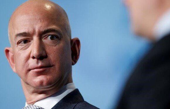 Ο Μπέζος απαντά σε οργισμένο πελάτη της Amazon για το ποιες ζωές έχουν αξία