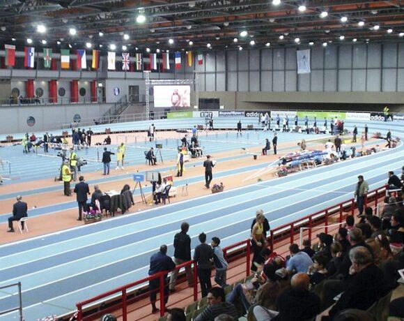 Οι δεσμεύσεις αθλητικών υποδομών από τον Αυγενάκη
