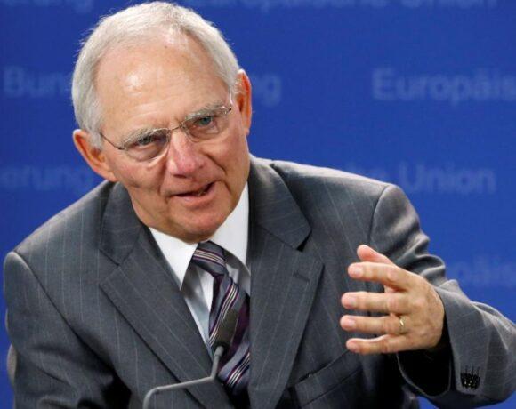 Οπαδός της θεωρίας του Κέινς ο Σόιμπλε – Κατά των ευρωομολόγων