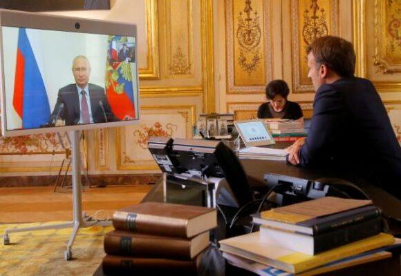 Πούτιν και Μακρόν «φρενάρουν» τα σχέδια Ερντογάν για τη Λιβύη