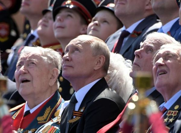 Ρωσία: Μεγαλειώδης παρέλαση για τα 75 χρόνια από την νίκη κατά του ναζισμού