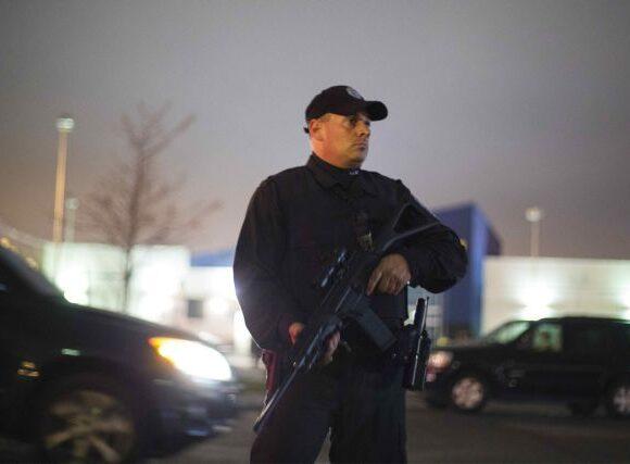 Στρατιωτικοποίηση των αμερικανών αστυνομικών: Οπλισμένοι από τα περισσεύματα του Πενταγώνου