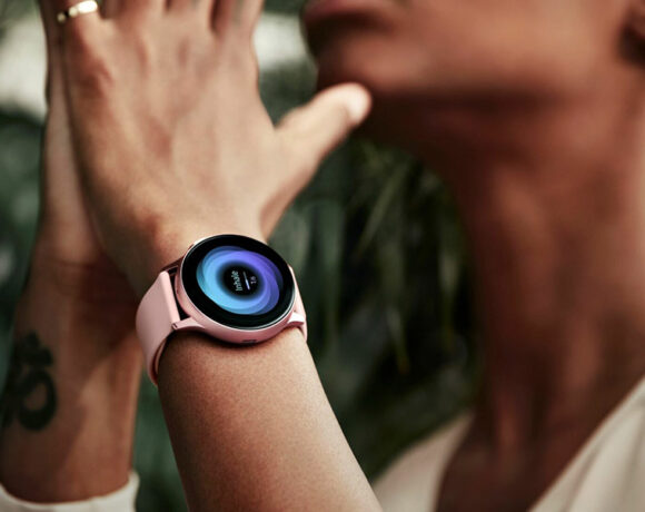 Τα Samsung Galaxy Buds Live και Galaxy Watch 3 έρχονται τον Ιούλιο