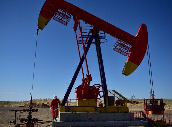 Το πετρέλαιο σκαρφάλωσε 3%