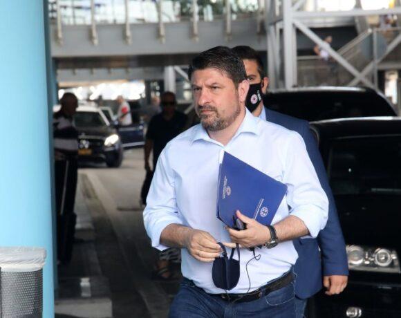 Χαρδαλιάς: Καμία έκπτωση για τα πρωτόκολλα στα αεροδρόμια – Δεν θα ανοίξουν άμεσα τα χερσαία σύνορα