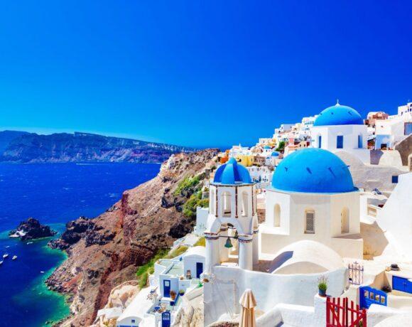 DW: Προβληματική η «φόρμα εντοπισμού τουριστών» από το εξωτερικό στην Ελλάδα
