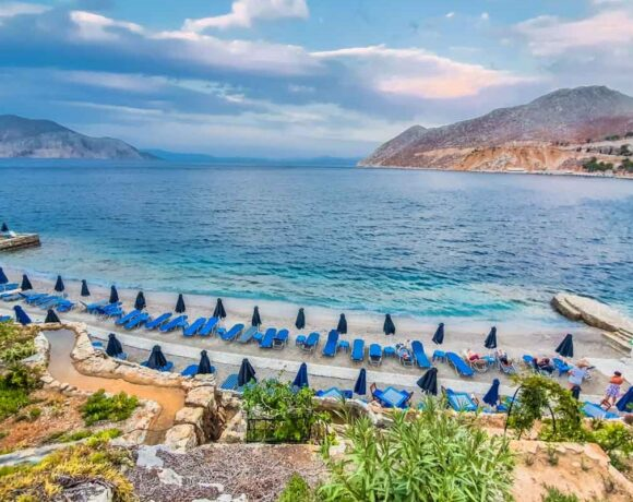EY: Estimated Tourism Losses for Greece at 10bn due to Covid-19