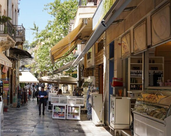 Greek Shop Owners in Tourist Areas Need Business Boost, Says Traders Body