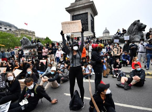 «I can't breathe»: Το κίνημα που ένωσε τον κόσμο κατά του ρατσισμού