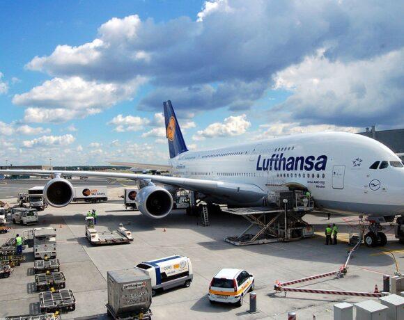 Lufthansa: Αναζητά συμφωνία για την κατάργηση 22