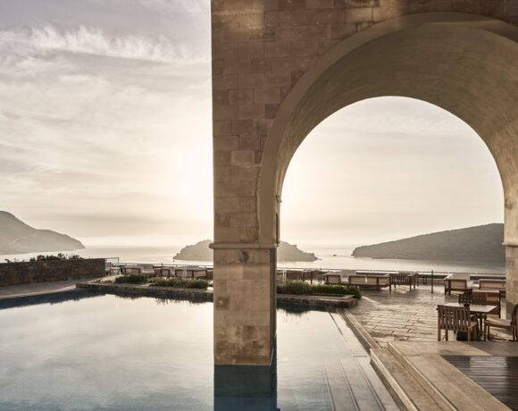Phāea Resorts to Open its Hotels on Crete in July