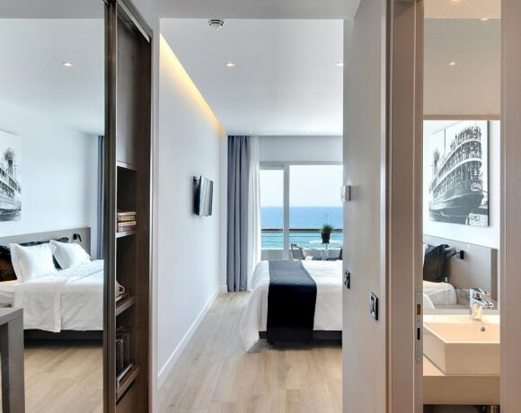 Poseidon Hotel on the Athenian Riviera Opens its Doors