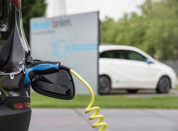 Yποχρεωτική η υποδομή για φορτιστές ηλεκτρικών οχημάτων στις πολυκατοικίες