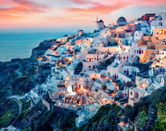ZDF από Σαντορίνη: Ο τουρισμός στην Ελλάδα ξεκινά
