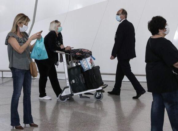 Βρετανία: Καμία καραντίνα για ταξιδιώτες από 75 χώρες