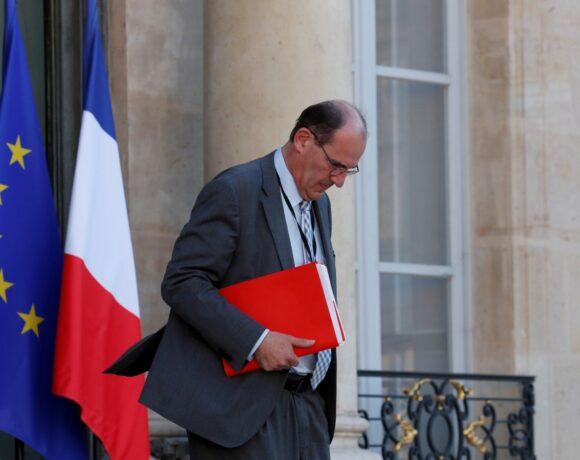 Γάλλος πρωθυπουργός: Η οικονομική και κοινωνική κρίση μόλις ξεκινά