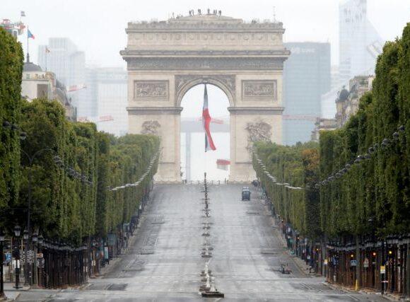 Γαλλία : Όχι σε ένα «καταστροφικό» lockdown παρά την αύξηση των κρουσμάτων