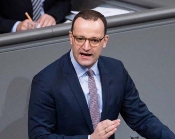 Γερμανία: Υπό εξέταση τα υποχρεωτικά τεστ σε όσους γυρίζουν από χώρες υψηλού κινδύνου