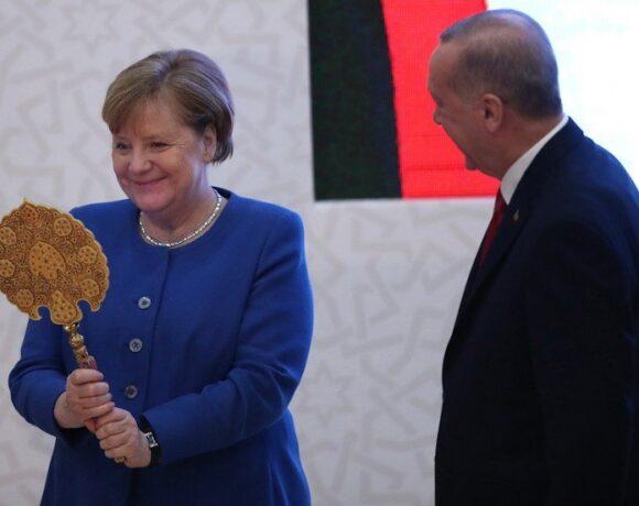 Γιατί η Μέρκελ ενδιαφέρεται για τον Ερντογάν: Επενδύσεις, όπλα και τουρισμός