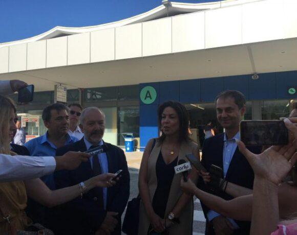 Δήλωση Θεοχάρη από την Κέρκυρα για την πρώτη άφιξη|Περιοδεία στα αεροδρόμια μετά το Νίκο Χαρδαλιά