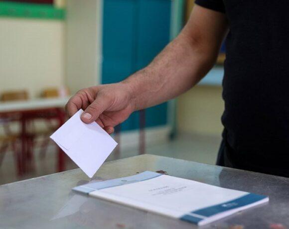 Δημοσκόπηση: Το 65,2% των πολιτών κρίνει θετικά το έργο της κυβέρνησης