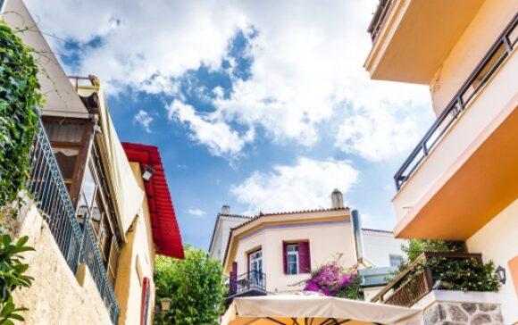 Εκτός Airbnb 700 ακίνητα στην Αθήνα – Επιστρέφουν στην μακροχρόνια μίσθωση