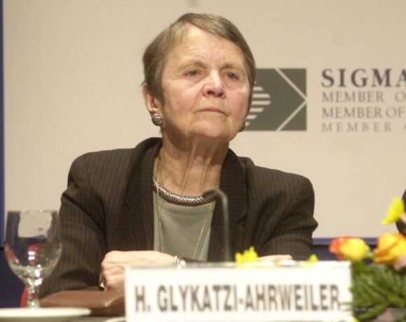 Ελένη Γλύκατζη – Αρβελέρ: Είναι η δεύτερη άλωση της Πόλης