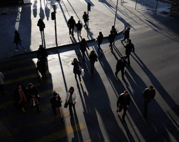 ΕΛΣΤΑΤ: Μείωση 0,4% στο διαθέσιμο εισόδημα των νοικοκυριών το α' τρίμηνο