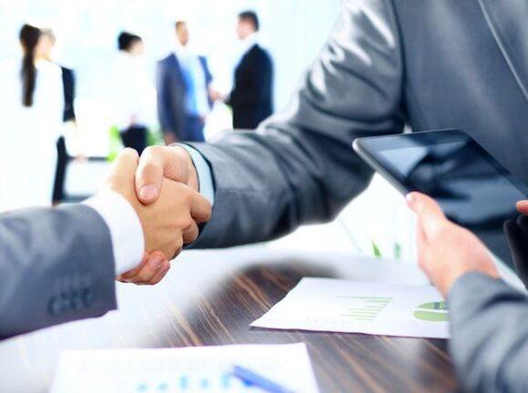 Επιχείρηση «καθαρά χέρια» για τους νέους CEO