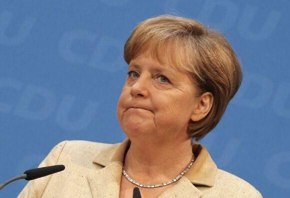 Η Μέρκελ καλεί την ΕΕ θα προετοιμαστεί για ένα Brexit χωρίς συμφωνία