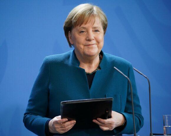 Η Μέρκελ παίρνει πάνω της την ευρωπαϊκή οικονομία: 17 Ιουλίου πηγαίνω στις Βρυξέλλες για να πετύχω συμφωνία