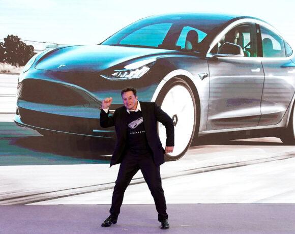 Η Tesla είναι ανοιχτή σε αδειοδότηση λογισμικού και παροχή κινητήρων και μπαταριών