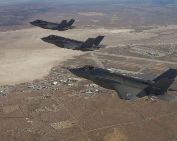 ΗΠΑ : Πιθανή πώληση-μαμούθ 105 μαχητικών αεροσκαφών στην Ιαπωνία