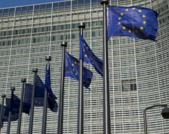 Κομισιόν: Εγκρίθηκαν σε χρόνο ρεκόρ μέτρα στήριξης για την Ελλάδα 1,14 δισ