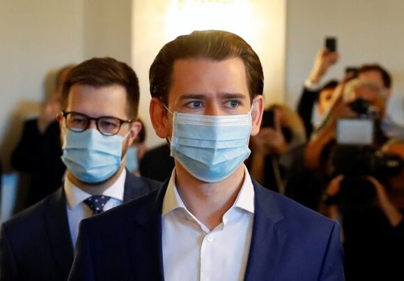 Κοροναϊός : Εν αναμονή της απόφασης για επαναφορά της υποχρεωτικής χρήσης μάσκας στην Αυστρία
