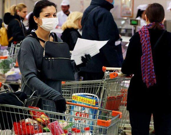 Κορωνοϊός: «Μονόδρομος» η υποχρεωτική χρήση μάσκας λόγω διασποράς