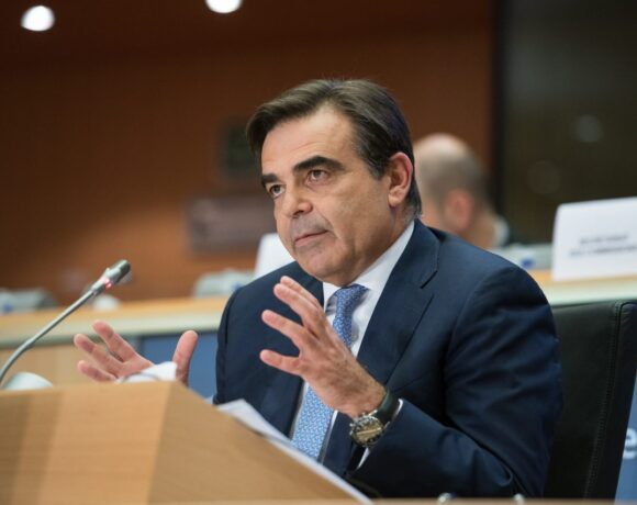Μαργαρίτης Σχοινάς: Ιστορική πρωτοβουλία η δημιουργία του Ταμείου Ανάκαμψης