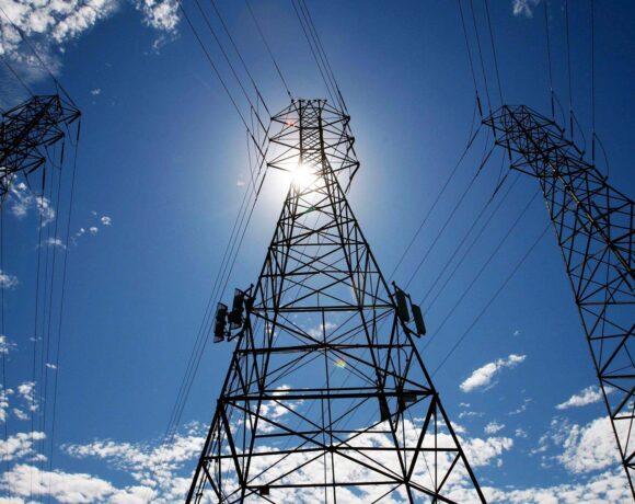 Μείωση της ζήτησης για ηλεκτρική ενέργεια κατά 15% τον Ιούνιο