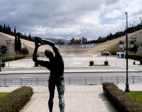 Μεγαλύτερη ύφεση «βλέπουν» Fitch και Scope Ratings για την Ελλάδα το 2020