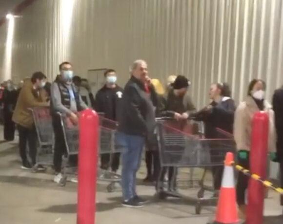 Μελβούρνη: Πανικός στα σουπερμάρκετ λόγω lockdown