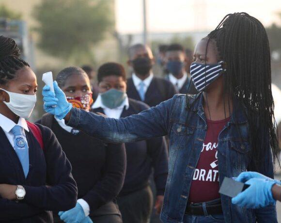 Νότια Αφρική : Τα κρούσματα ξεπέρασαν τις 300.000 – Στις 4