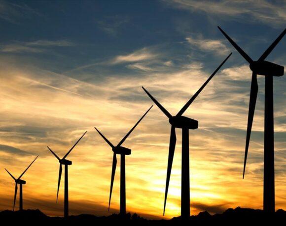 Οι ΑΠΕ εκτοπίζουν τον λιγνίτη και γίνονται κύρια πηγή ηλεκτρισμού έως το 2025