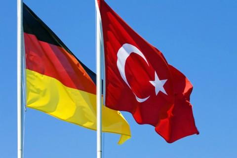 Οργή της Τουρκίας για τις «ασφαλείς χώρες» της ΕΕ – Στη Γερμανία ο Τσαβούσογλου