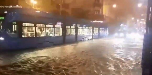 Πλημμύρες στην Κροατία, τυφώνας στο Τέξας