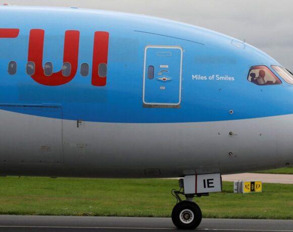 Στη «μάχη» των Βρετανών τουριστών ρίχνονται αεροπορικές και tour operators