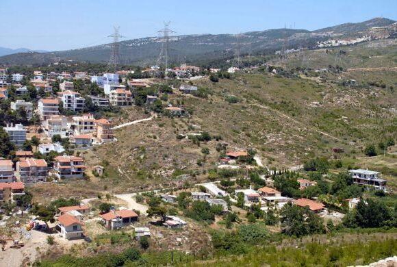 ΥΠΕΝ: Ανοίγει ο δρόμος για τη νομιμοποίηση αυθαίρετων οικισμών στον Υμηττό