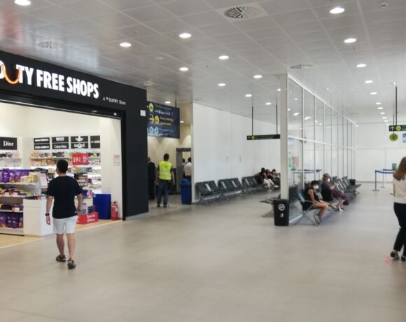 Greek Airports: 75% Passenger Traffic Drop in First Half of 2020