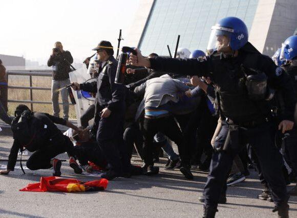 HRW: Βασανισμοί και ξυλοδαρμοί από τις τουρκικές δυνάμεις ασφαλείας